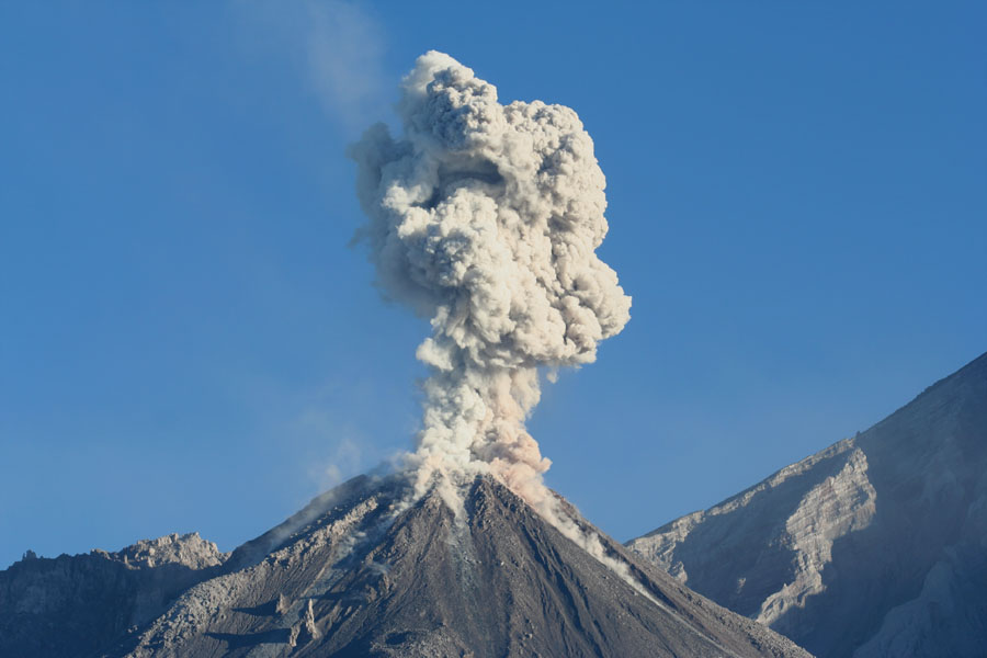 "volcanoes volcano and eruptions explosive eruptions Eruption classification memovolc workshop on ""the dynamics of volcanic  explosive eruptions""  geneva, 29-31 january 2014 dr atl, el paricutin."