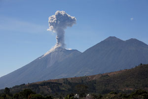 Thousands Flee As Guatemala's Volcano of Fire Begins Erupting Once Again Gua07_0416s