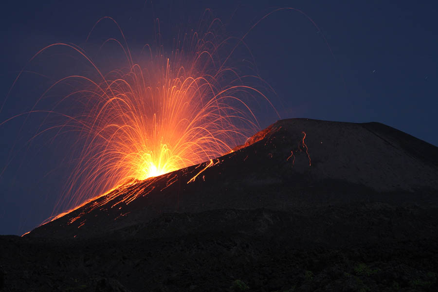 Strombolian Eruption Strombolian Eruption Anak