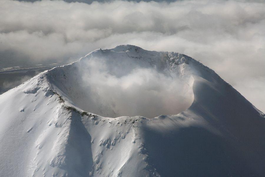 http://www.photovolcanica.com/VolcanoInfo/Shishaldin/IMG_3787.jpg