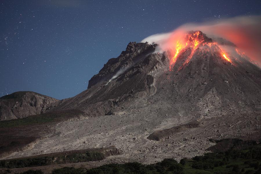 monsterrat volcano Soufrière hills volcano - john seach montserrat, west indies (british overseas territory) 1672 n, 6218 w, summit elevation 915 m stratovolcano.
