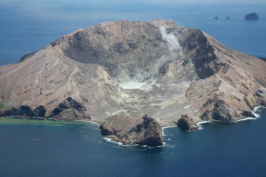 white island - photo #18